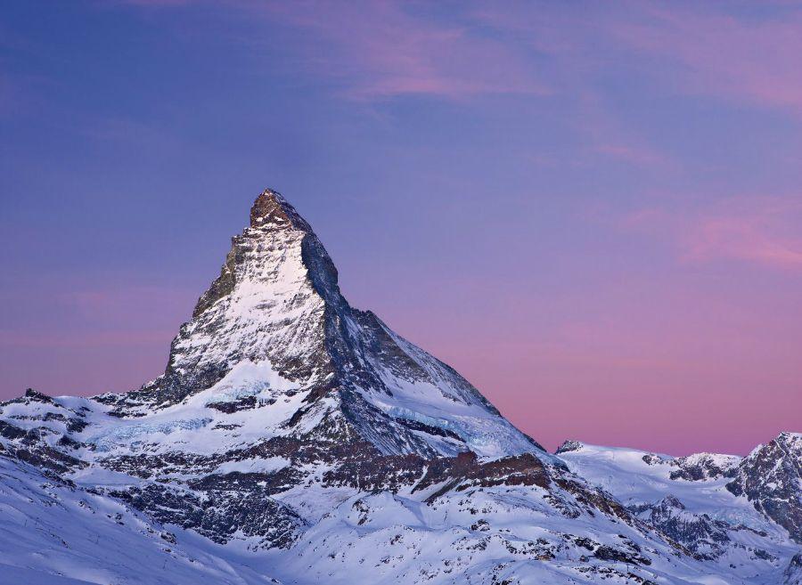 Pohled na jeden ze symbolů Švýcarska, majestátní horu Matterhorn u Zermattu, foto: Schweiz Tourismus/ Andreas Gerth