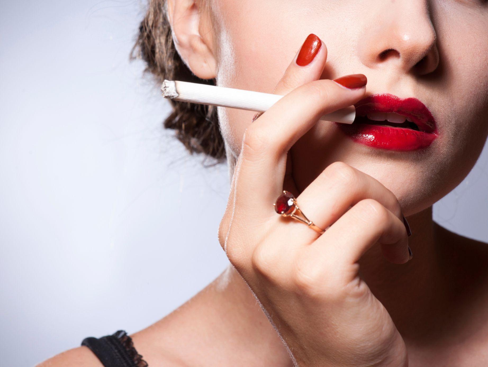 kouření centrální skutečný lesbický sex film