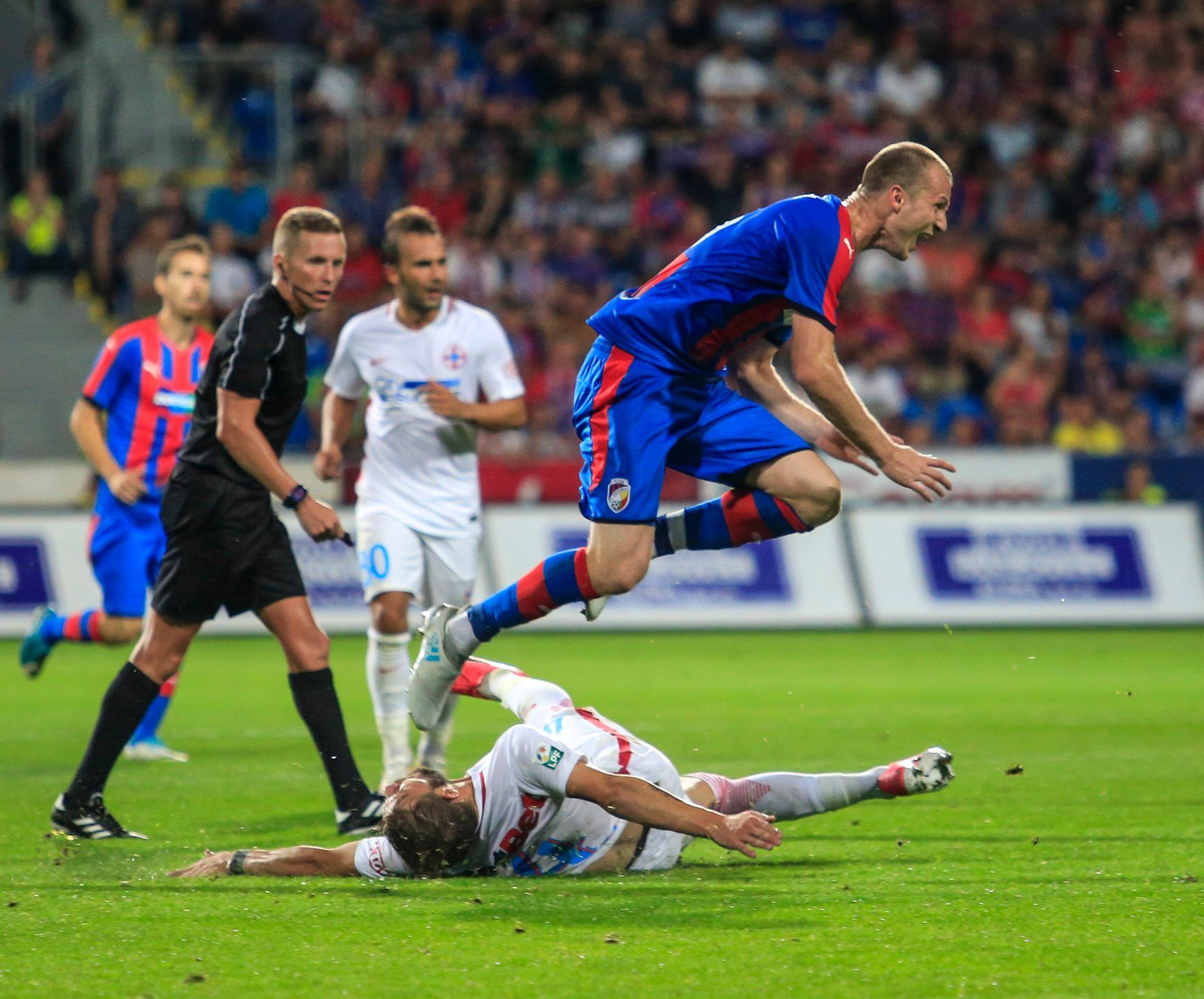 Los Evropské Ligy Twitter: Živě: Plzeň Jde Zase Na Bukurešť, Slavia Poletí Do