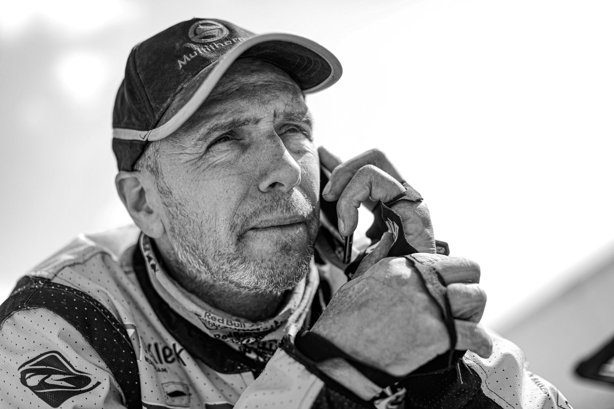 Druhá oběť letošního Dakaru. Nizozemský motocyklista zemřel po převozu do vlasti