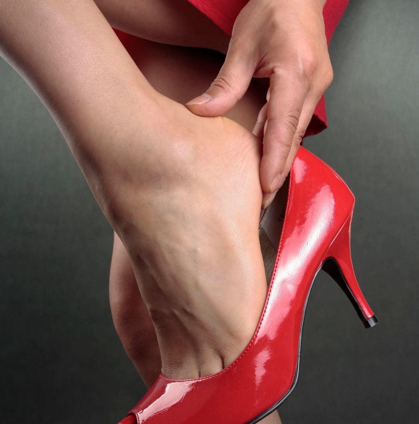 Nejhorší letní boty  Vysoké podpatky i placaté žabky - Žena.cz - magazín  pro ženy a7feeb1282