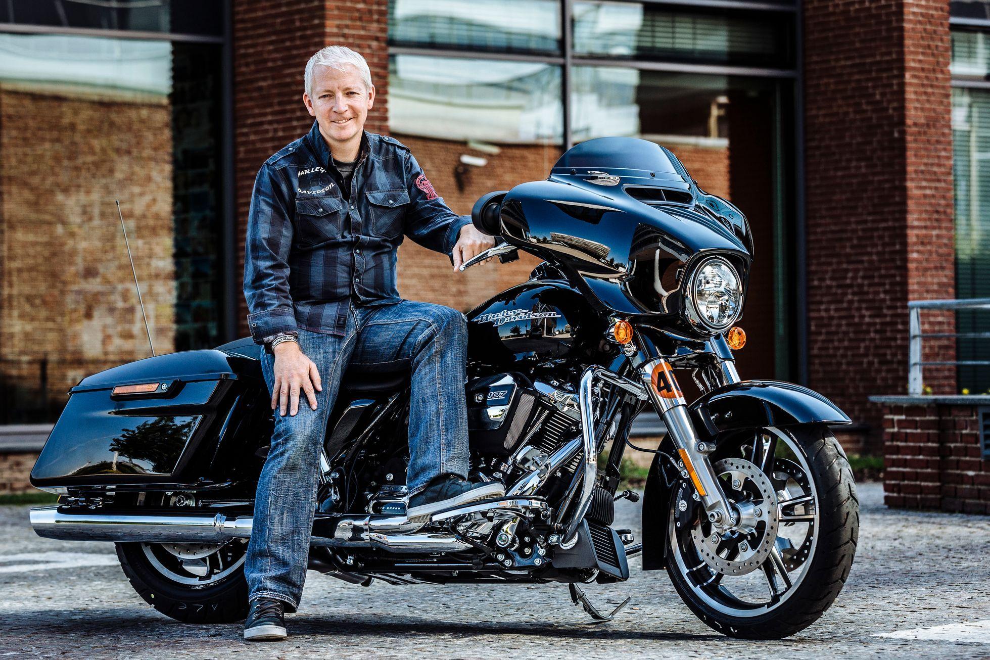 Harleyář už dávno není jen chlap s plnovousem 2c5c3b8c54
