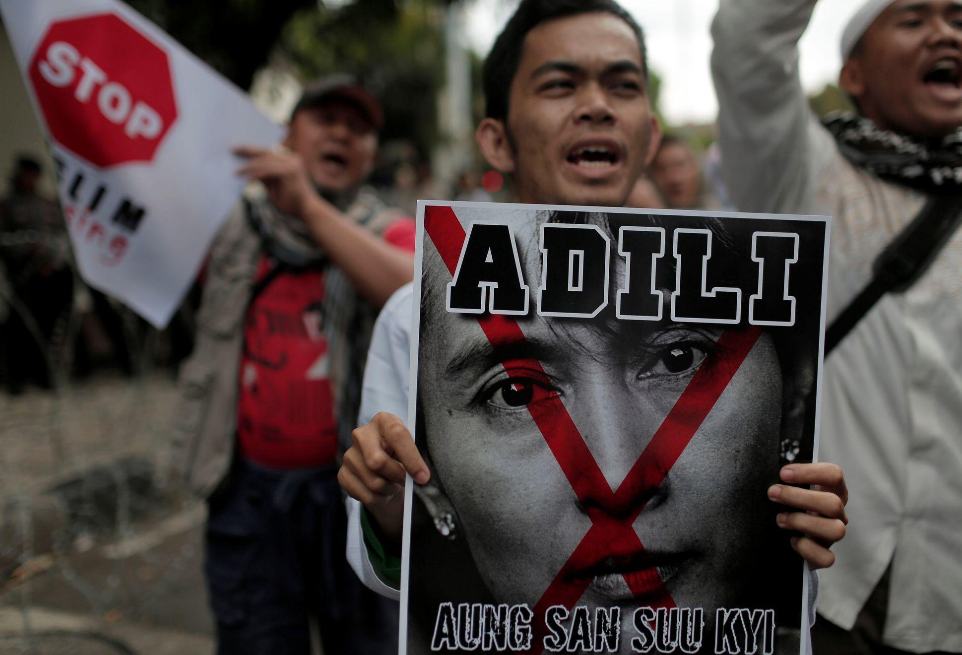 Výsledek obrázku pro foto krvavá Aun Schan Su Ťij