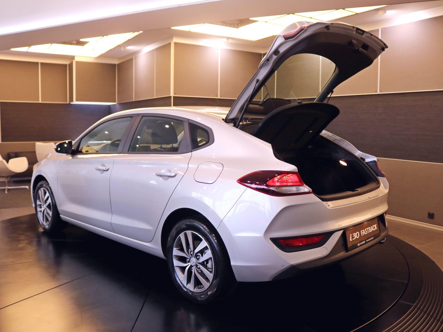 Hyundai I30 Fastback 2017 Aktu 225 Lně Cz