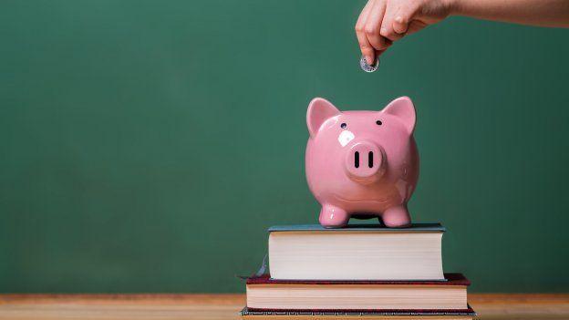 Přehled: Poplatky za studium a stipendia vevropských zemích. Jak jsou na tom čeští studenti?