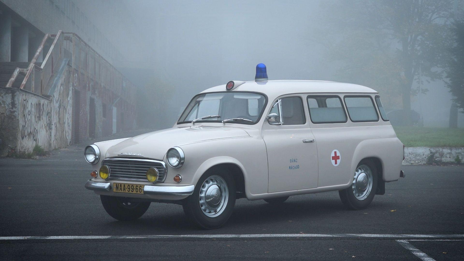 Provizorní obřík třínásobně přetáhl kariéru. Uspěla by Škoda 1202 jako sanitka dnes?