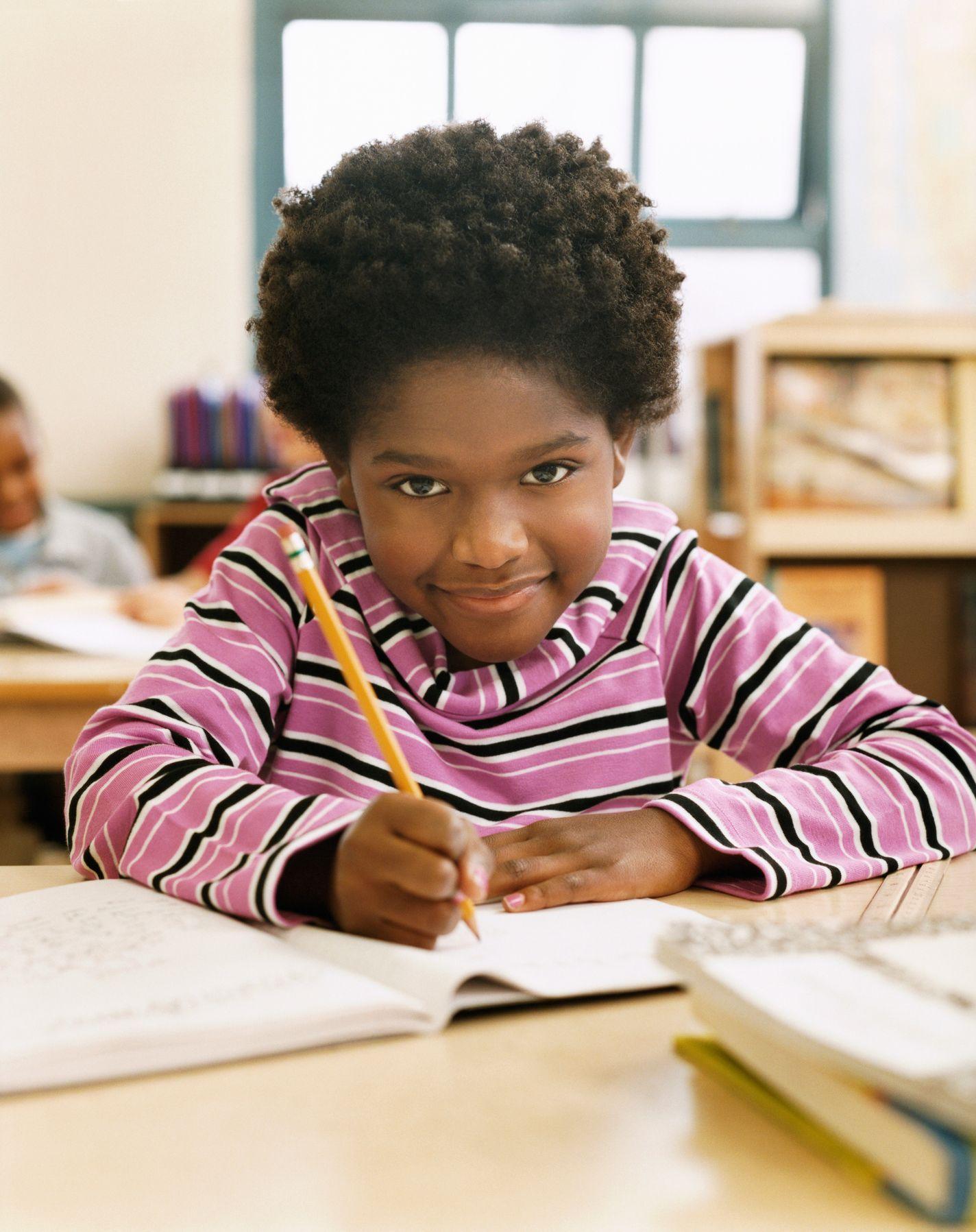 Školačky v JAR chtějí nosit afro účes e30bd6d0290