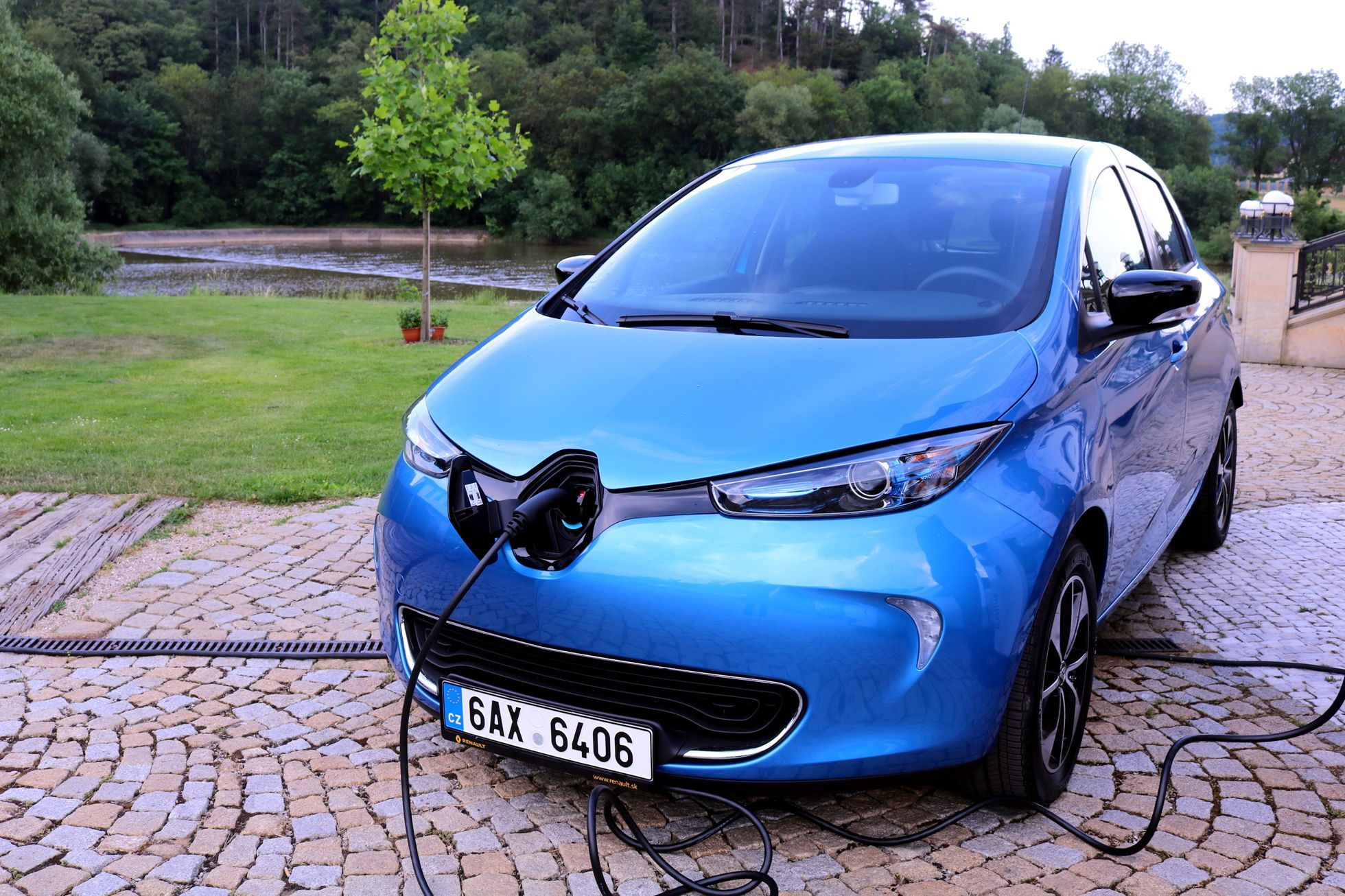 Renault Has Begun To Offer Three Electric Vehicles In The Czech
