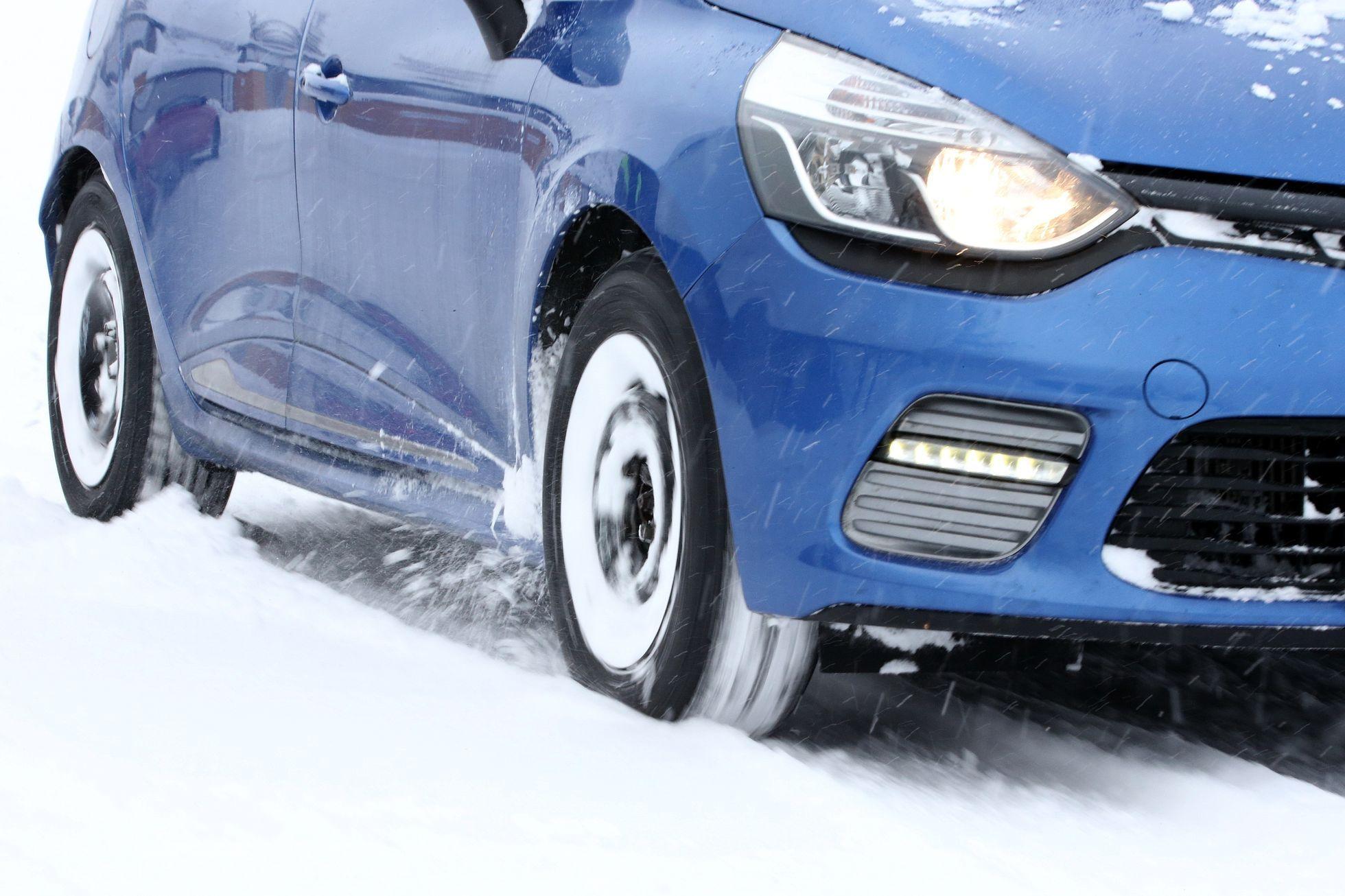 Češi nejvíce kupují z levných pneumatik barumky a z dražších continentaly a  nokiany - Aktuálně.cz 245b56ea2f