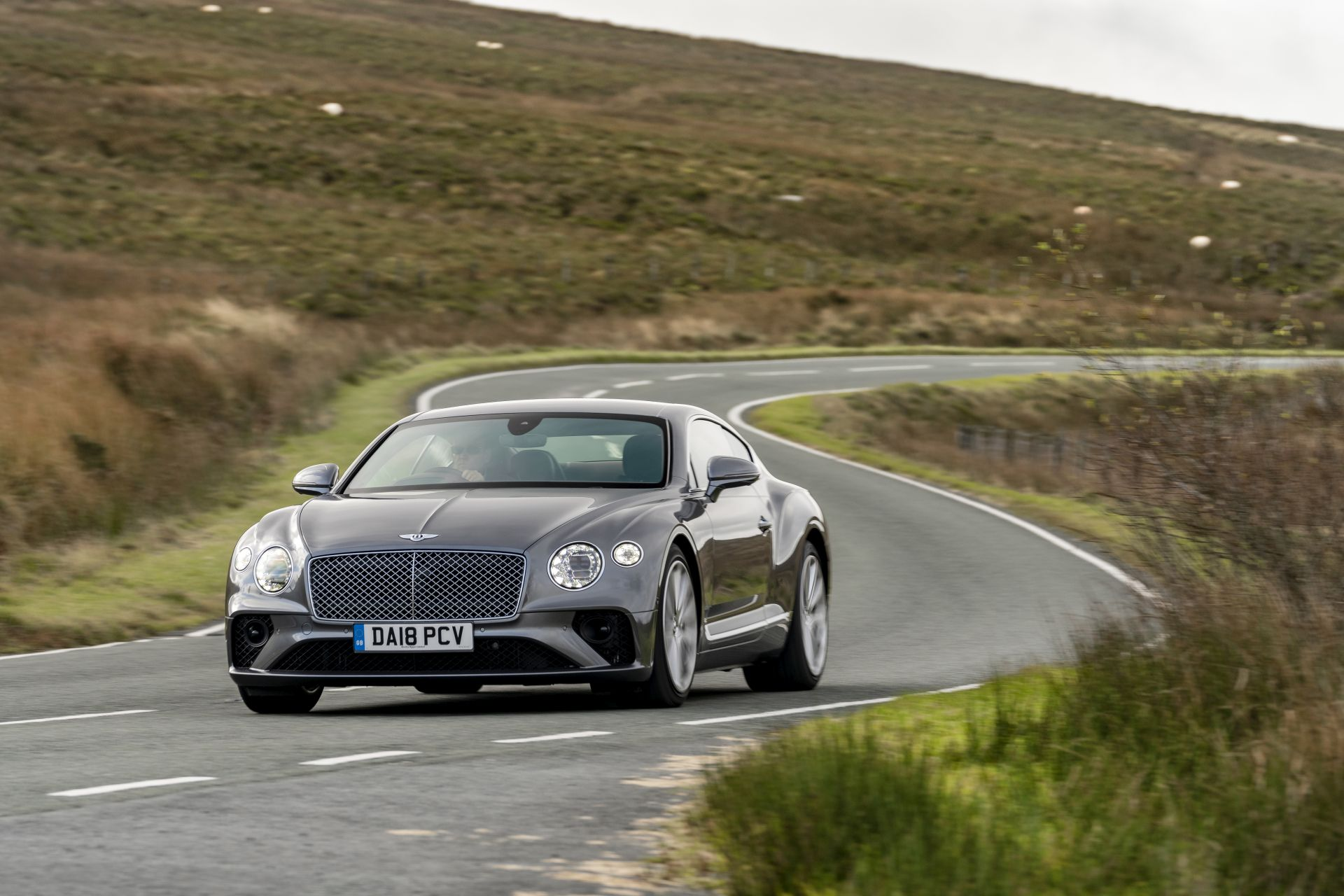 Bentley continental gt 2020 cena