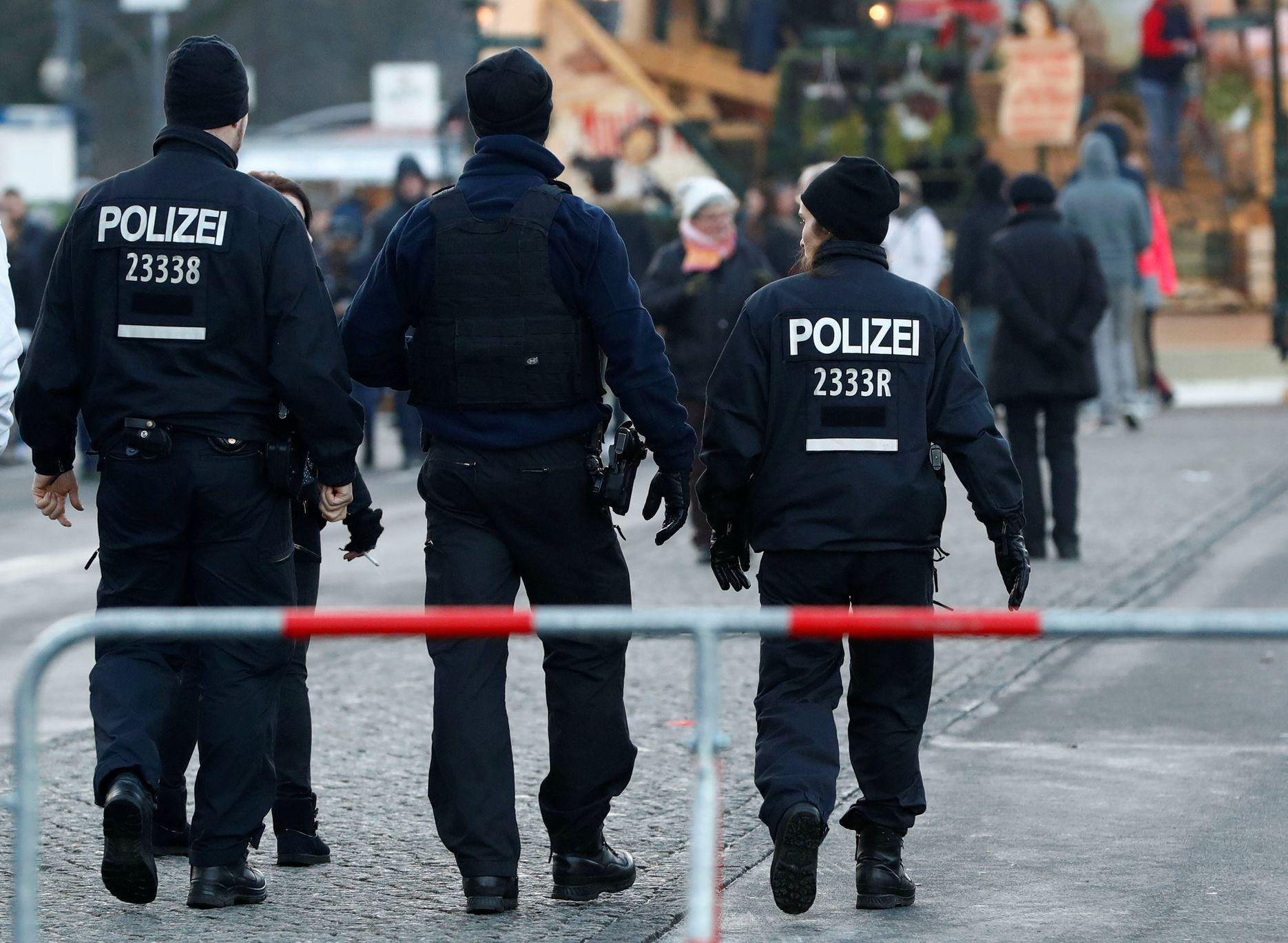 Německou Chotěbuzí cloumá násilí mezi uprchlíky a místními. Došlo i na nože a slzný plyn | Aktuálně.cz