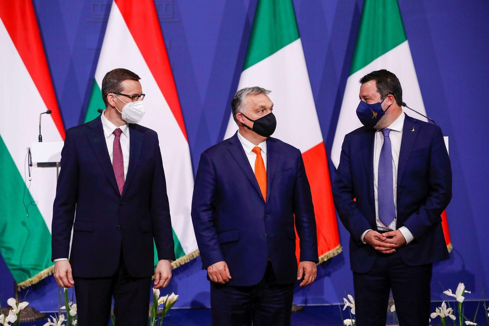 Orbánův Fidesz hledá v Bruselu nové spojence. Tusk varuje před proputinovským blokem