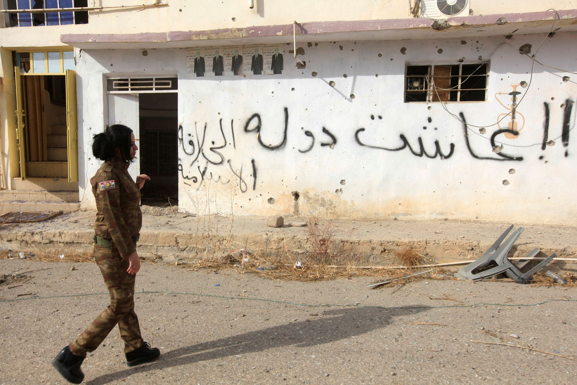 c7ae1e304c3 Desetitisíce Arabů na útěku. V arabských ulicích a čtvrtích hlídkují  kurdské milice - Aktuálně.cz