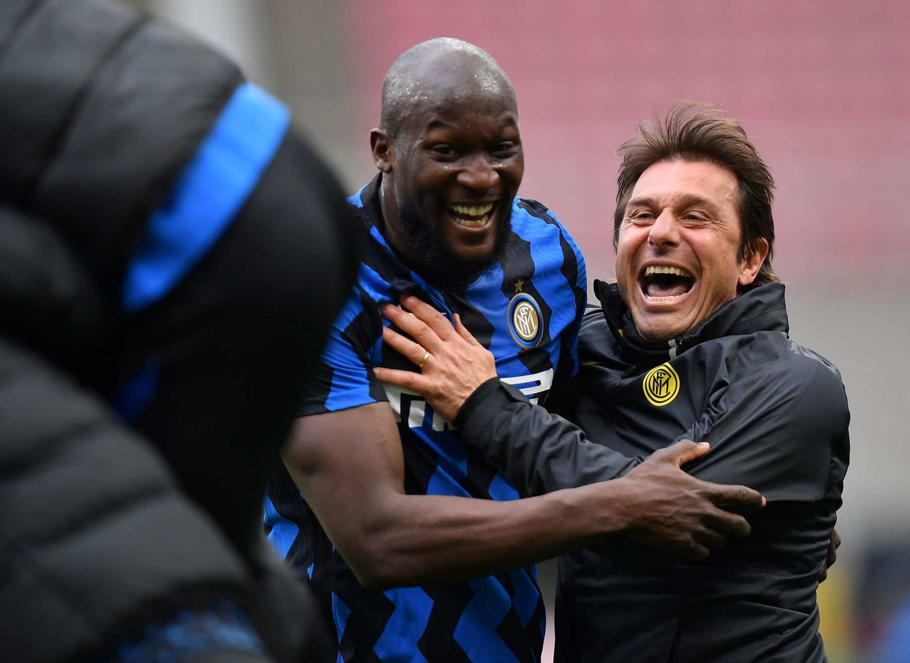 Inter porazil Cagliari a italskou ligu vede o 11 bodů před AC