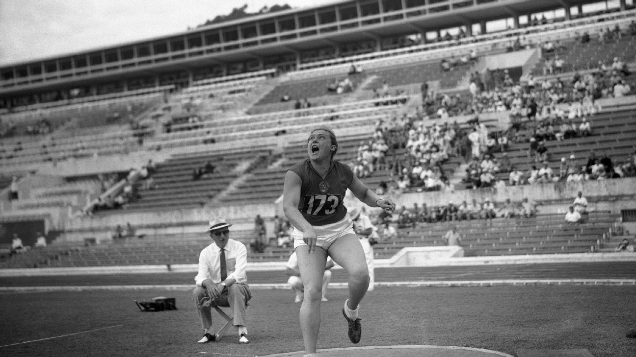 Zemřela kontroverzní atletická šampionka, která možná vůbec nebyla ženou