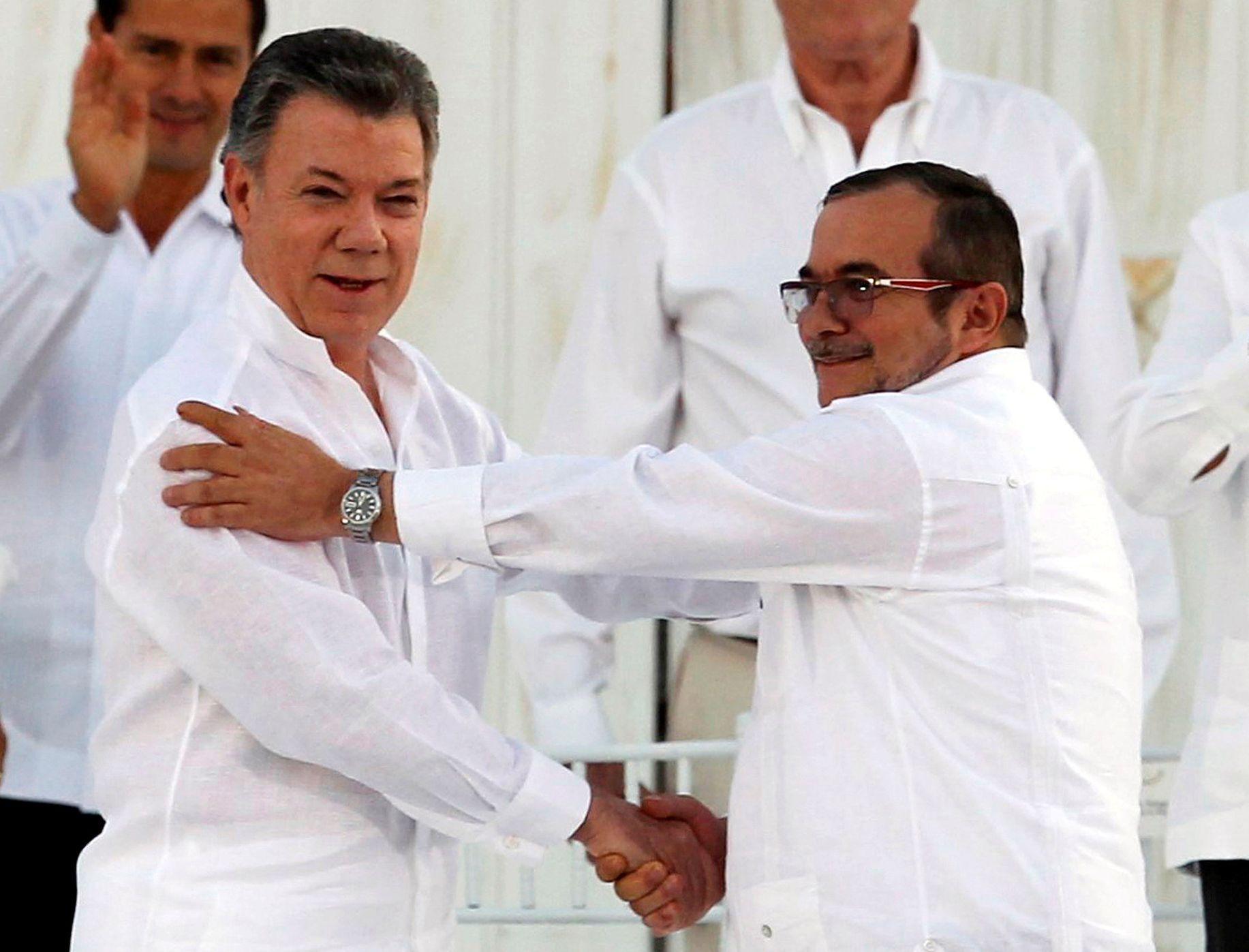 9c9f1fe6944 Kolumbijská vláda jedná s další gerilou. Cesta k míru ale vede přes  plantáže koky - Aktuálně.cz
