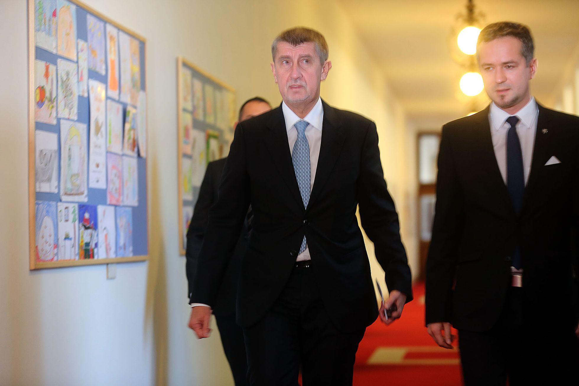 Babiš si volal s Netanjahuem, pozval izraelskou vládu na společné zasedání do Prahy