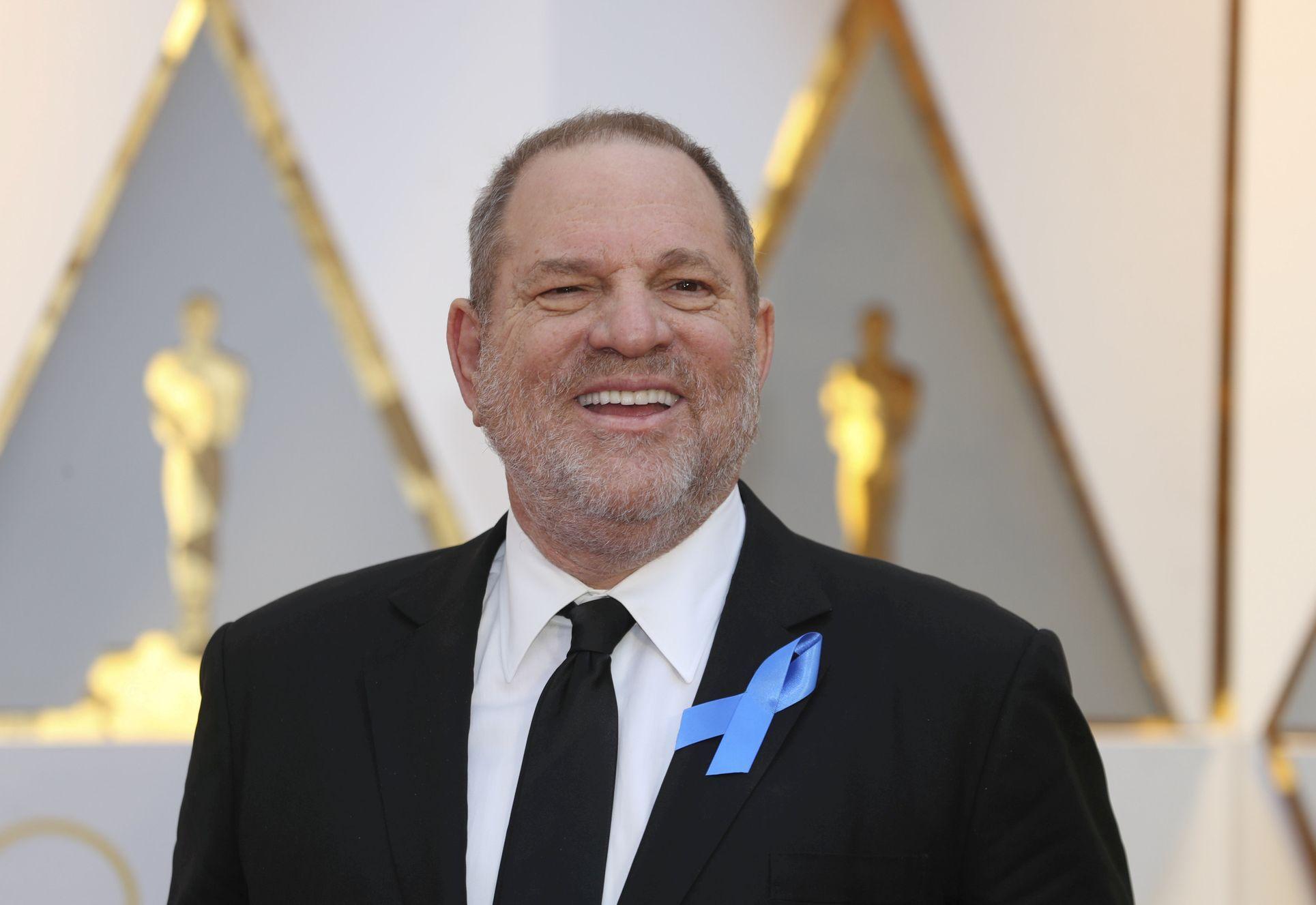 """""""Nebyla jsem schopná se bránit"""". Americká policie chce zatknout producenta Weinsteina pro znásilnění"""