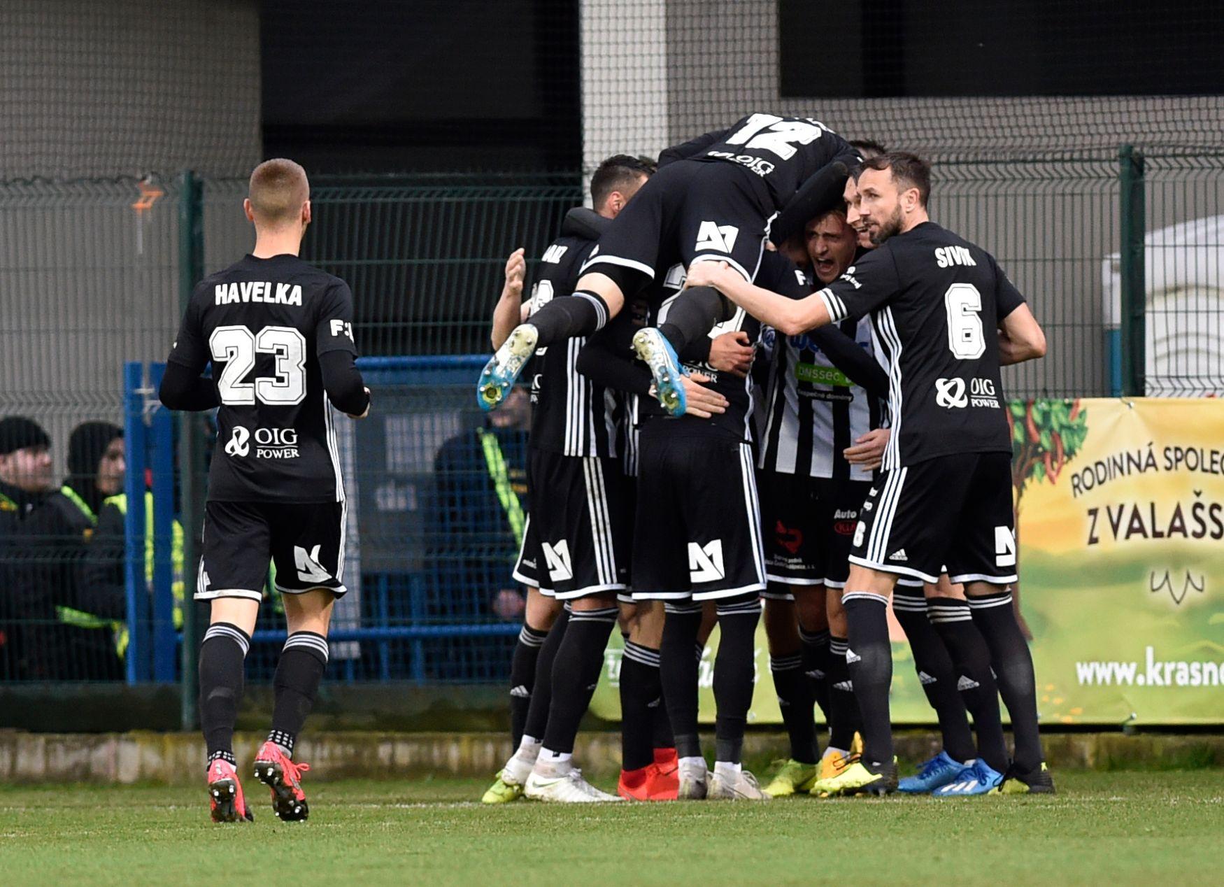 Budějovická jízda pokračuje, Dynamo vyhrálo i ve Zlíně. Karviná přejela Teplice