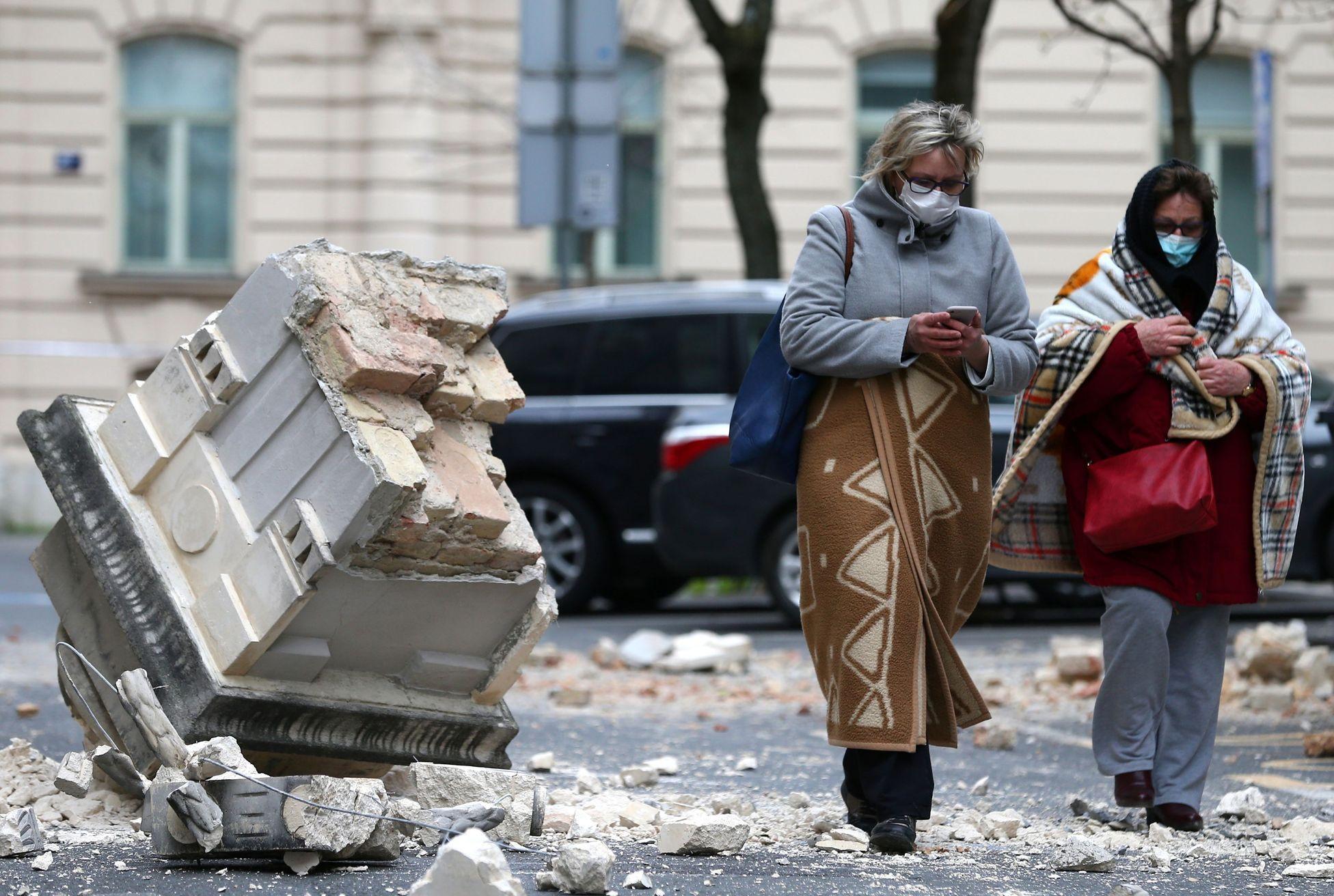 Záhřeb poškodilo zemětřesení. V ulicích jsou sutiny, 17 lidí je zraněných   Aktuálně.cz