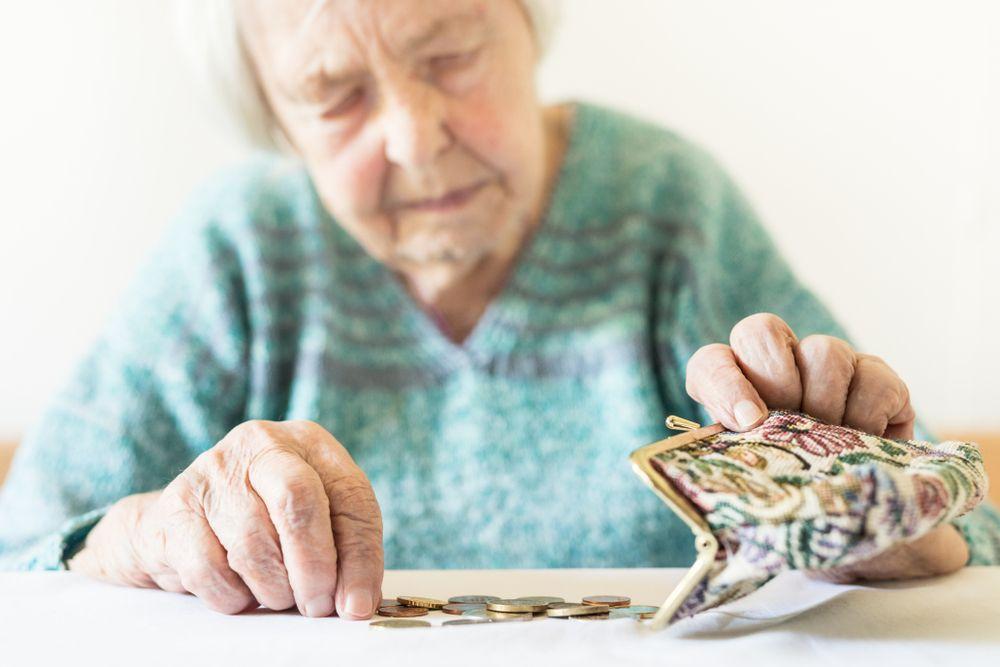Zvýšení penzí o dalších 300 korun dali poslanci šanci, zrychlené schválení odmítli