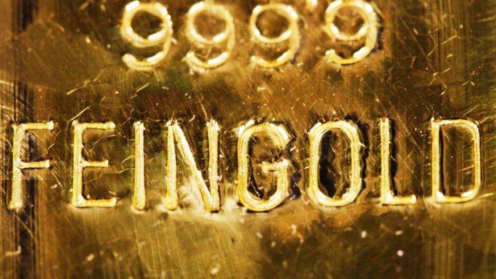 Zlato je nejdražší od léta, poptávku zvyšují i obavy