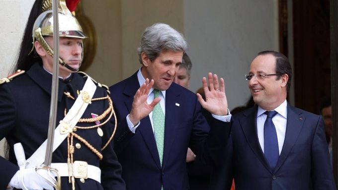 John Kerry a Francois Hollande.