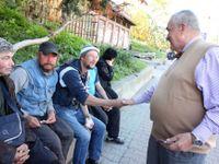 Hlavně běžte volit, domlouval Schwarzenberg bezdomovcům při poslední jízdě tramvají