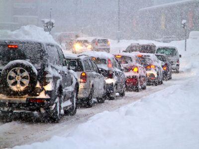 Dopravu v Česku komplikuje sníh, problémy mají především kamiony