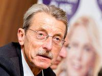 Živě: Bývalý senátor Hlavatý z ANO se vzdal mandátu. Jermanová dala Kalouskovi svou zelenou mikinu