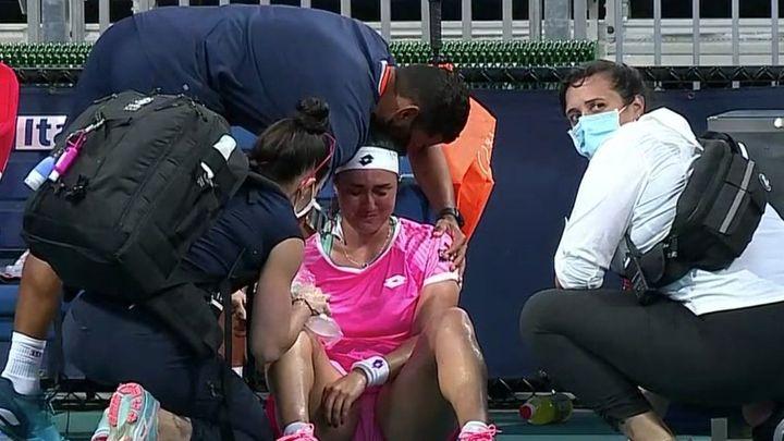 Tenistka na kurtu v Miami zvracela, soupeřka nevěřícně kroutila hlavou a prohrála