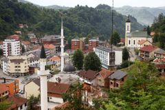 General view of Srebrenica, July 6, 2012. During the war, Bosnian Serb forces commanded by General Ratko Mladic killed up to 8000 Muslim men and boys in the Srebrenica area. Bosnian Serb army commander Mladic, who personally witnessed the capture of Srebrenica, was arrested in Serbia in May 2011 after 16 years on the run. He is accused of genocide for orchestrating the massacre and for his role in the siege of Bosnia's capital Sarajevo. Some 520 recently discovered Bosnian Muslim victims' remains from the Srebrenica massacre will be buried on July 11 at the Memorial center in Potocari. The International Commission for Missing Persons has so far identified more than 7,000 Srebrenica victims. Picture taken July 6, 2012. REUTERS/Dado Ruvic (BOSNIA AND HERZEGOVINA - Tags: CIVIL UNREST CITYSPACE CRIME LAW) Published: Čec. 9, 2012, 5:15 odp.