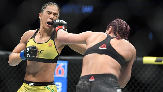 Bizarní řežby v kleci. Série UFC má pokračovat bez diváků a na soukromém ostrově