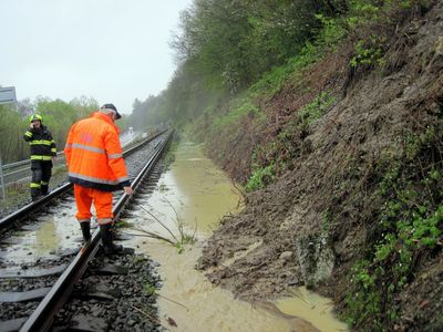 Bečva na Přerovsku dosáhla stavu ohrožení, podobný vývoj se čeká také na řece Moravě ve Strážnici