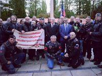Hejtman Hašek s Putinovými Nočními vlky. Ostudné, uctívání Kremlu a legitimizace gangu