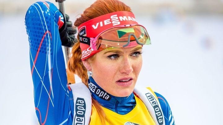 Živě: Biatlonistky jedou sprint, Koukalová obhajuje v této disciplíně celkové vítězství
