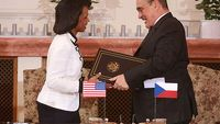 US and ČR sign missile defense treaty in Prague