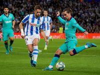 Barcelona remizovala v San Sebastianu. Real půjde v případě vítězství do čela
