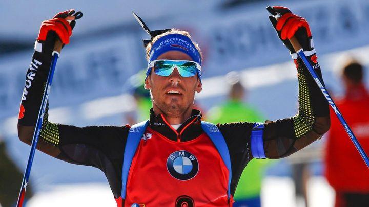 Poslední závod biatlonového MS opanoval Schempp, Češi byli až ve druhé desítce