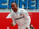 Vettel před německými fanoušky daroval Hamiltonovi vítězství i vedení v šampionátu