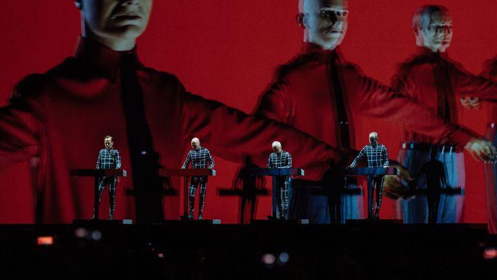 Kraftwerk v Praze smazali hranici mezi koncertem a multimediální show