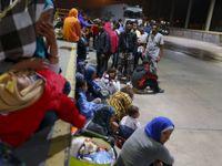 Živě: Němci dnes čekají až 10 tisíc nových běženců