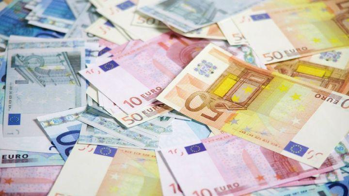 Německý soud: Banky nesmí chtít poplatek za poskytnutí úvěru