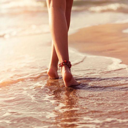 Чувствовать, как вода у ног становится горячей, означает возможность наладить отношения с друзьями и родственниками.