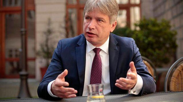 Místopředseda ČSSD Roman Onderka při rozhovoru pro Aktuálně.cz den před  důležitým jednáním širšího vedení a35124be2c48