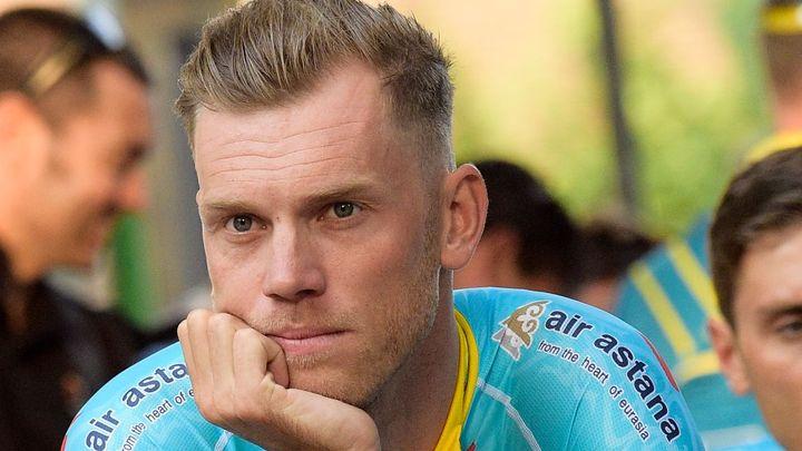 Cyklista byl vyloučen ze závodu za úder pěstí. Napadenému přijde trest moc tvrdý