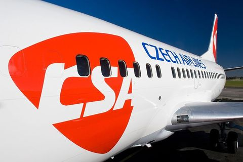 Czech airlines reports 1H loss but gives rewards
