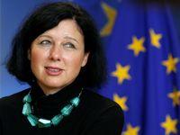 Rusko chce ovlivnit volby v Evropě. Pochybovat o tom může jen blázen, varuje Jourová