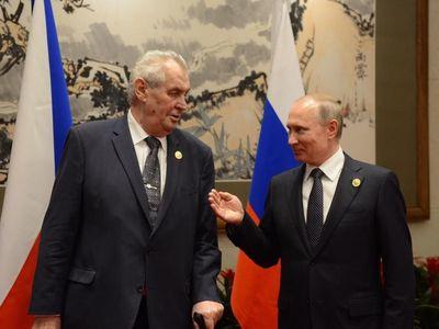 Putin pozval českého prezidenta do Soči. Přijímám, je to vyznamenání, řekl Zeman