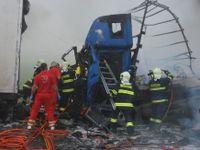 Na D1 u Brna se srazily čtyři kamiony, dva řidiči zemřeli